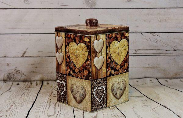 cajas de metal decoradas con corazones